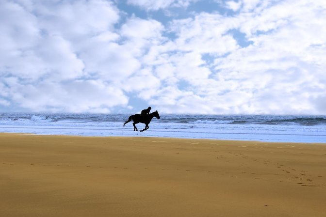 bigstock-Horse-Riding-On-Kerry-Shore-7848748_result