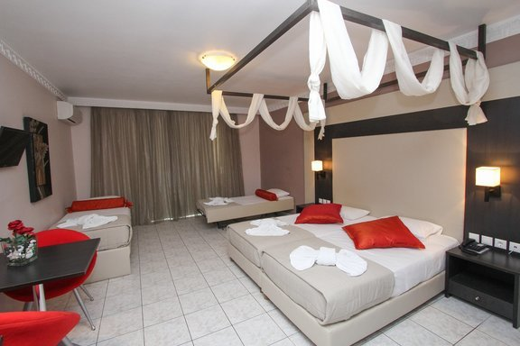 Four_Bedded_Room