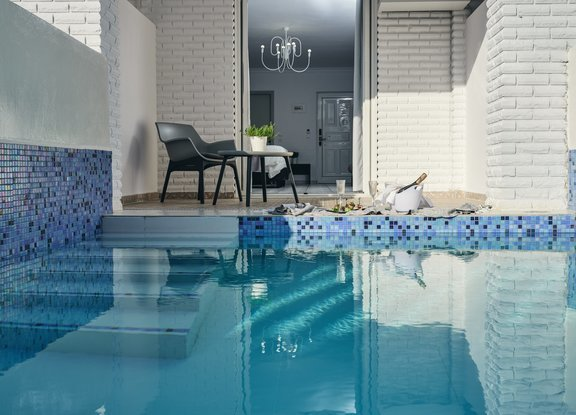 Deluxe_with_Private_Pool_2